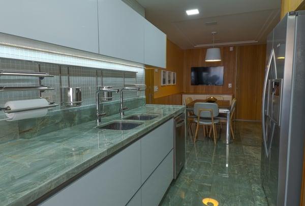12 cozinha com piso verde