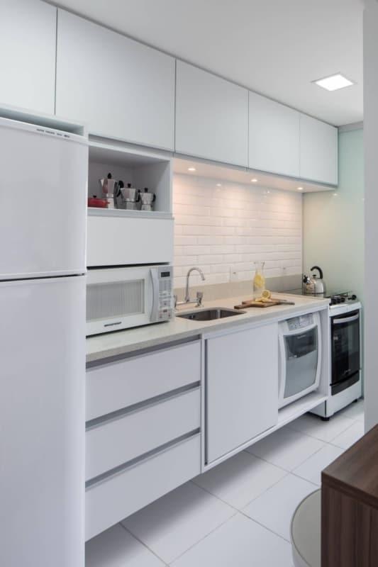 rejunte para cozinha com piso branco