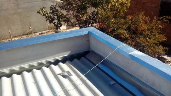 telhado com pingadeira de alumínio