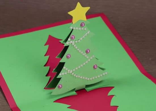 cartão natalino com pinheiro