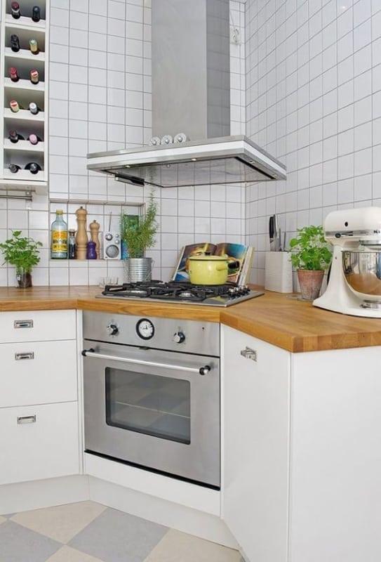 cozinha de canto com cooktop