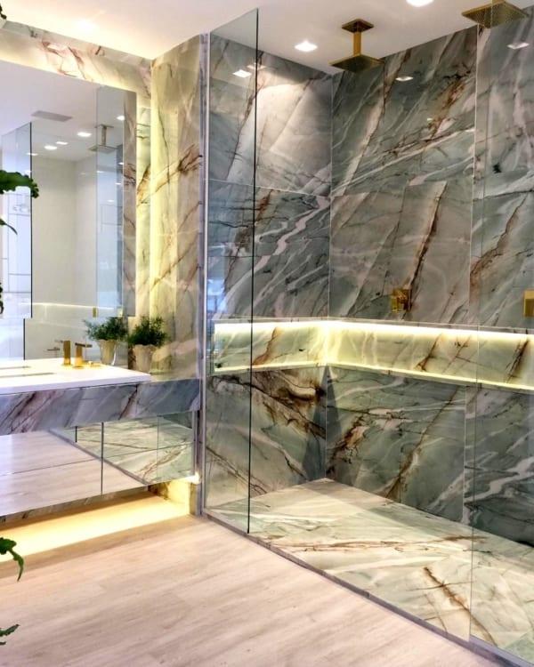 banheiro de luxo com quartzito