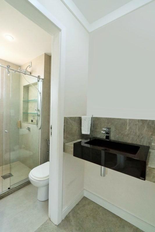 bancada de banheiro de pedra natural
