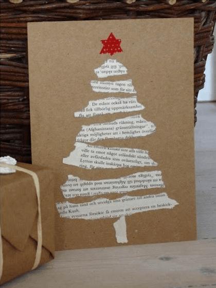 cartão de natal decorado com jornal