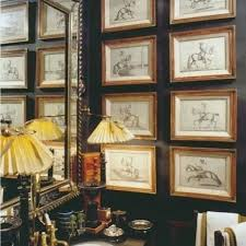quadros pequenos com molduras de madeira
