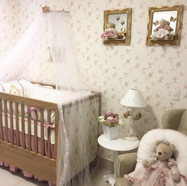 quadros com molduras para quarto de bebê