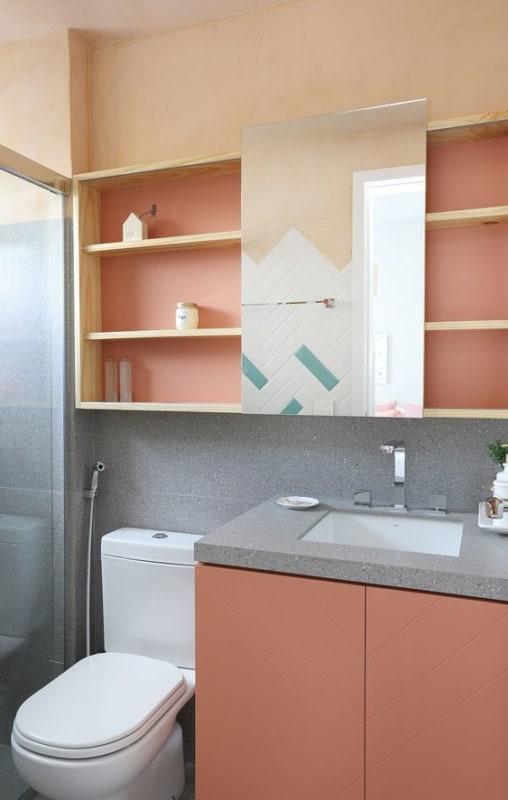 banheiro cinza e rosa