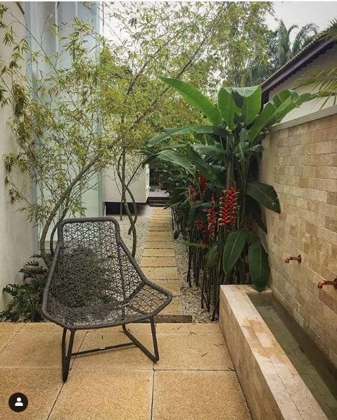 jardim simples com bambu mossô