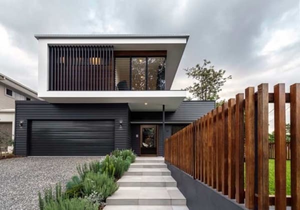 projeto moderno com cerca de madeira