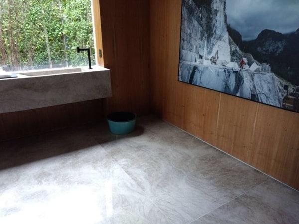 piso cinza de quartzito