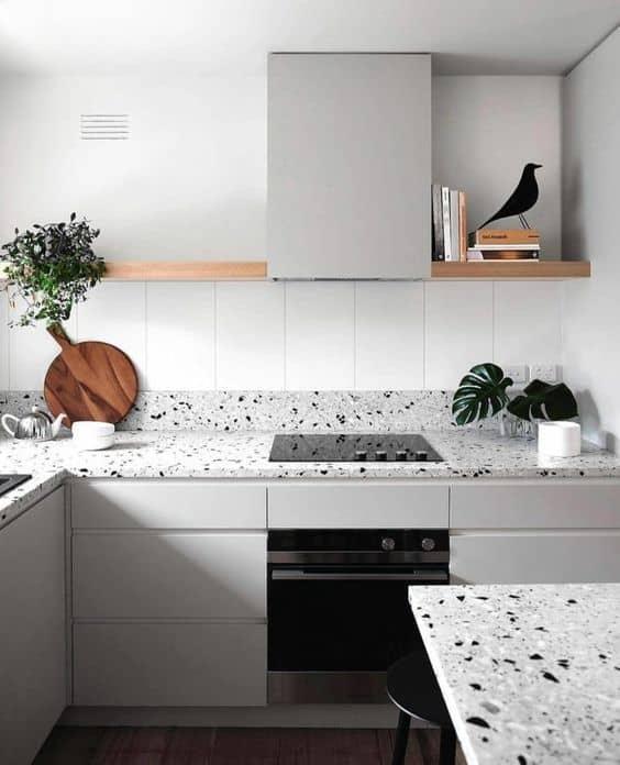 cozinha com bancada de marmorite