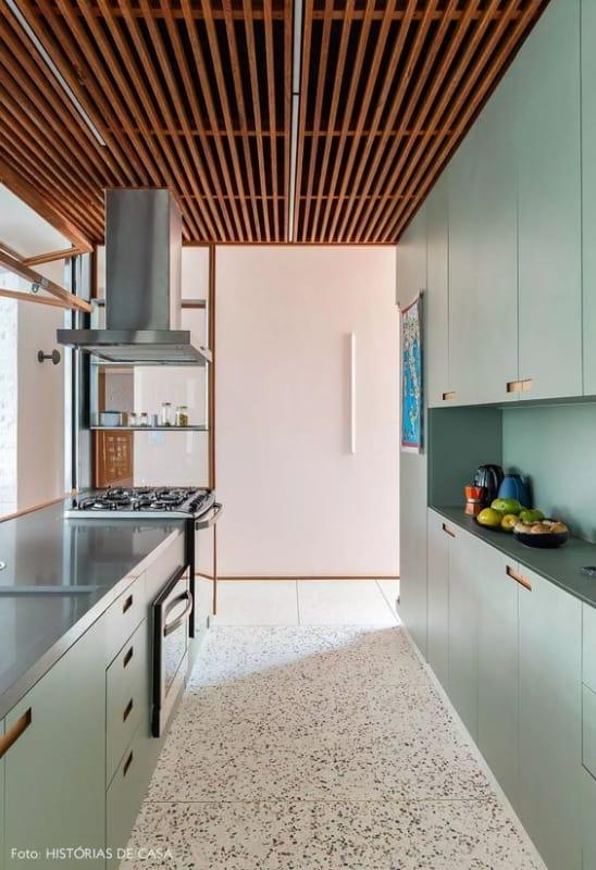 cozinha com piso de marmorite