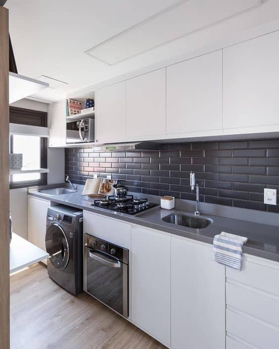 cozinha com parede preta