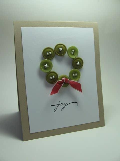 cartão de natal decorado com botões
