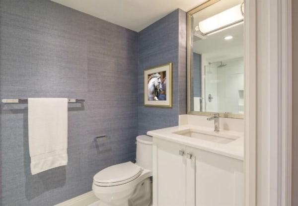 papel de parede para banheiro pequeno