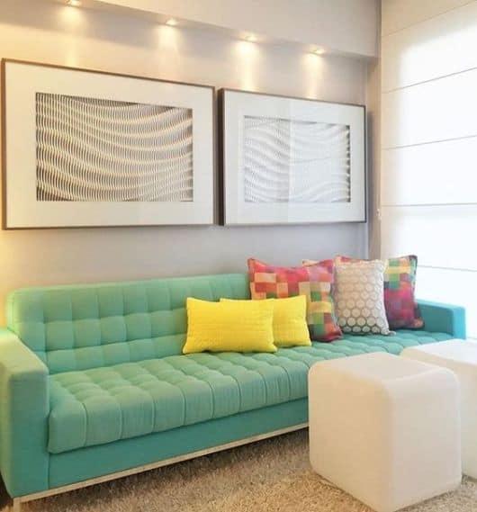sala apartamento com quadros
