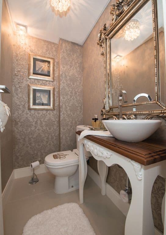 lavabo decorado com móveis usados
