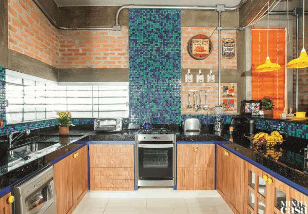 cozinha industrial colorida