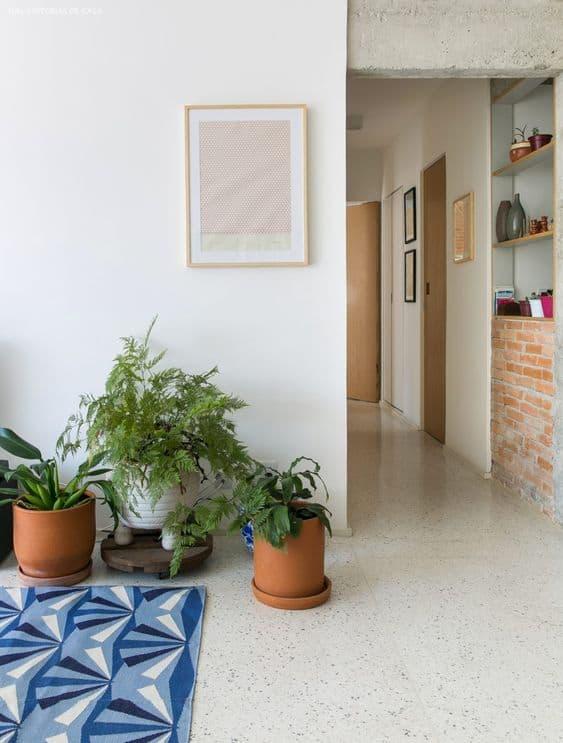 sala com piso branco de granilite