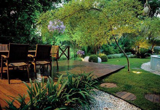 jardim decorado com bambu mossô