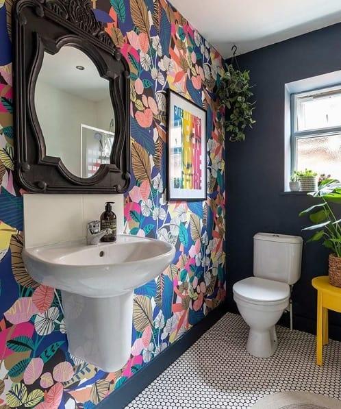 decoração colorida para banheiro