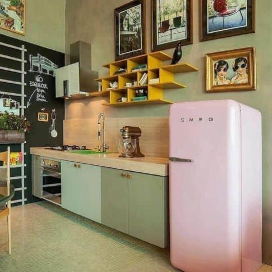 cozinha com decoração retrô