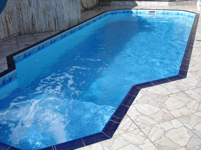 piscina de vinil com borda
