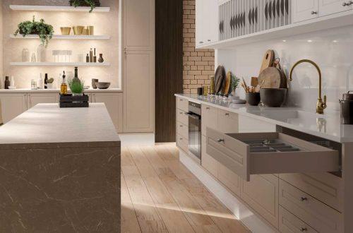Cozinha clássica com tom pérola