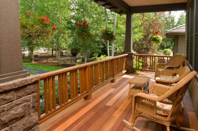 Guarda corpo de madeira para varanda rústica 1