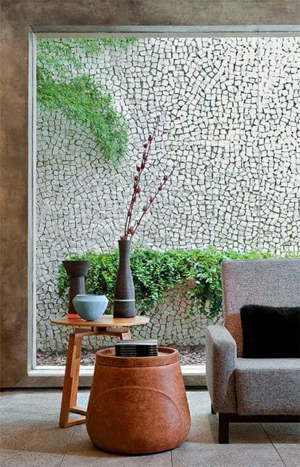 Pedra portuguesa na parede externa