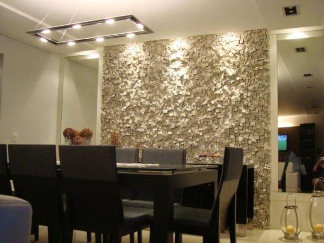 Pedra portuguesa na sala moderna