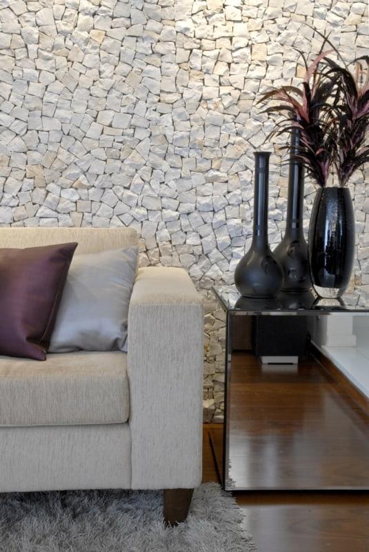 Pedra portuguesa na sala pequena