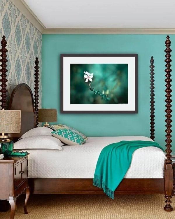 Quarto decorado em tons verde claro 33
