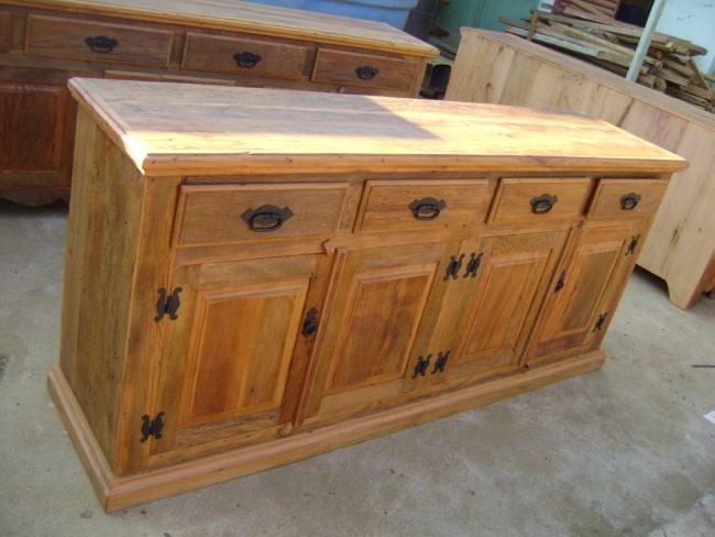 aparador rústico de madeira de demolição