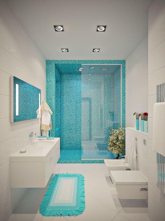 banheiro branco com verde claro 41