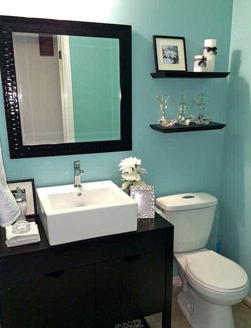 banheiro verde água com preto 42