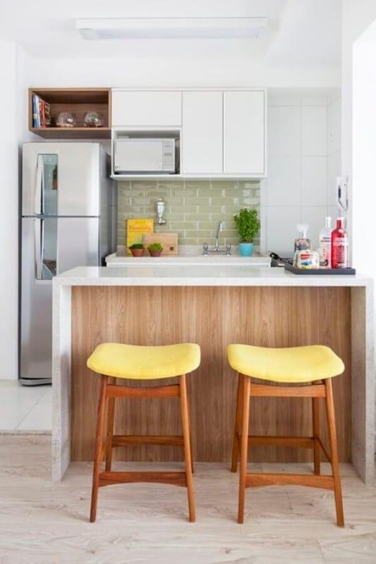 banquetas para cozinha com assento amarelo