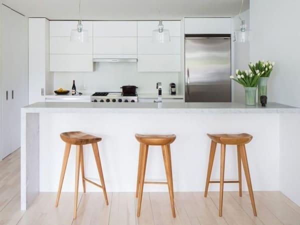 Banquetas para cozinha de madeira com design moderno