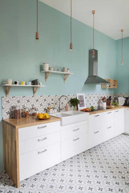 cozinha com paredes verde claro 23