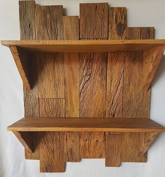 linda prateleira de madeira de demolição