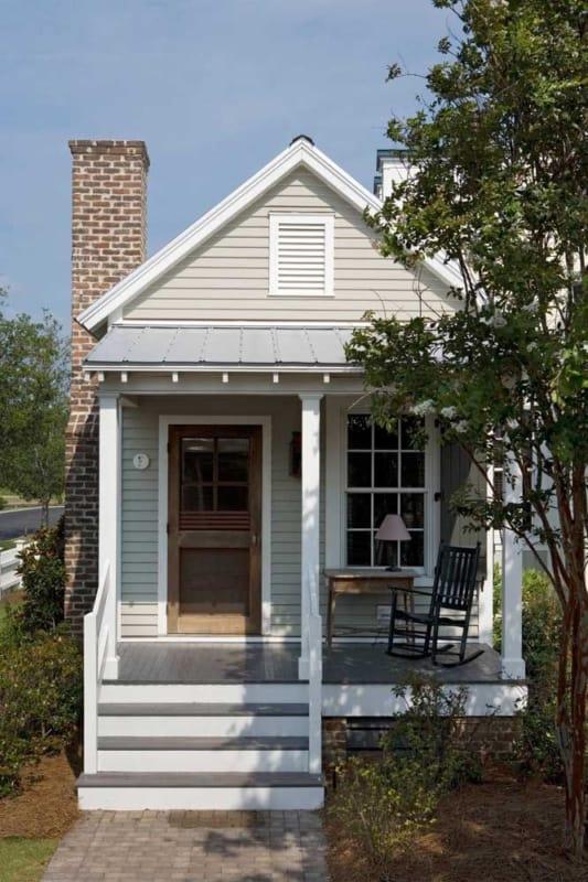mini casa de madeira clássica