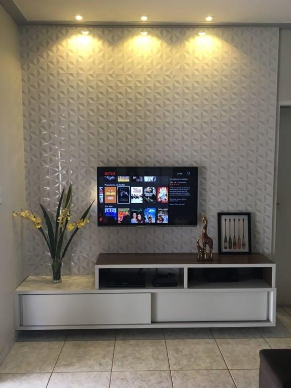 painel de tv com ceramica