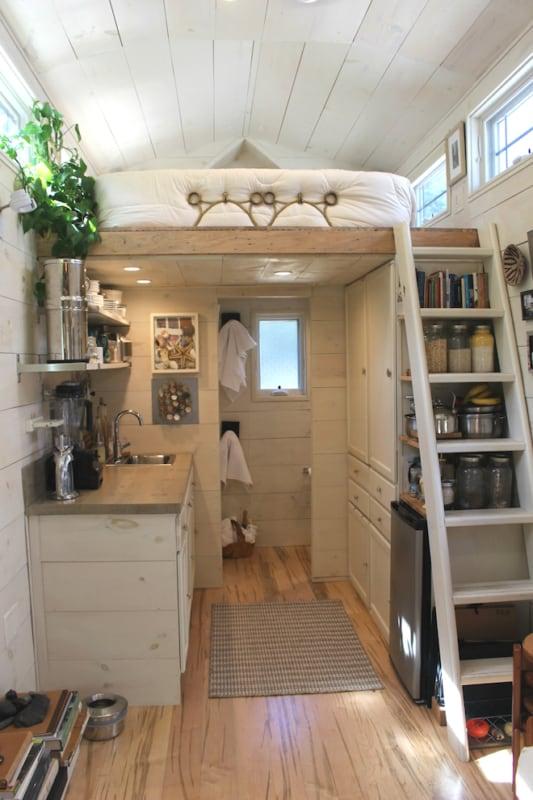 pequena mini casa por dentro