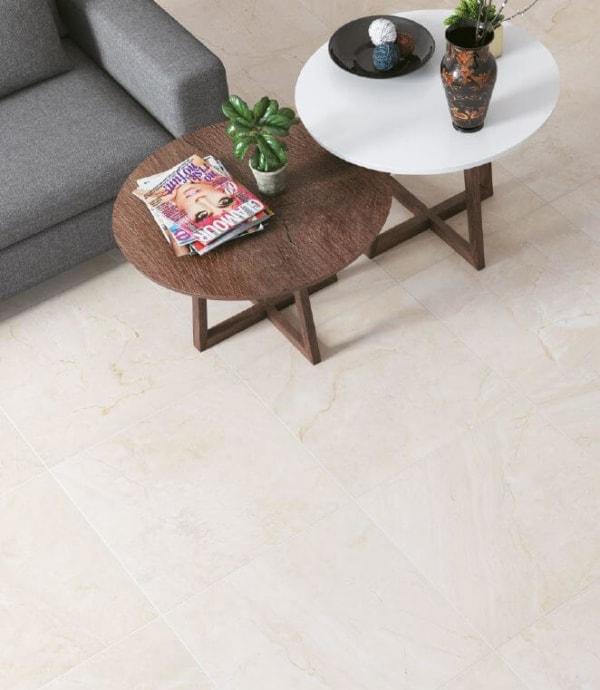 piso de ceramica com sala de estar