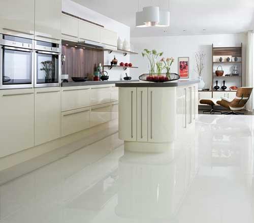 piso de porcelanato branco para cozinha