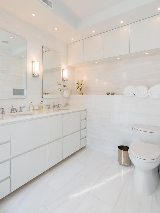 porcelanato branco para banheiro chique