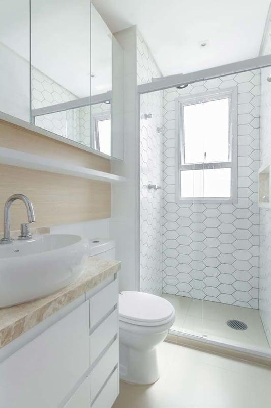 porcelanato branco para banheiro pequeno