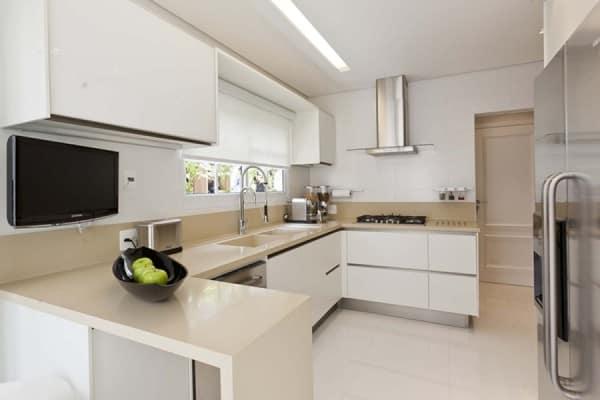 porcelanato branco para cozinha ampla