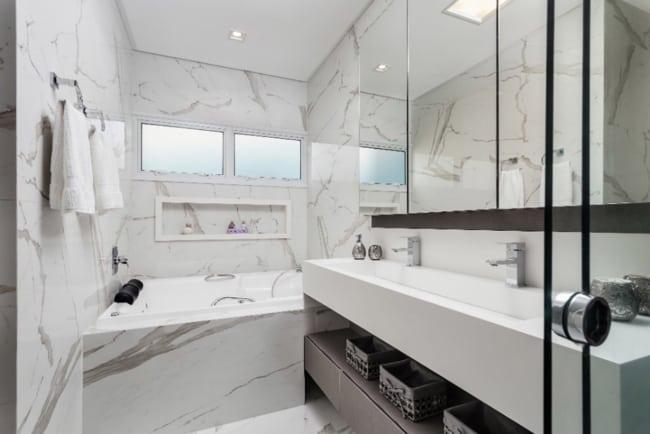 porcelanato na bancada do banheiro