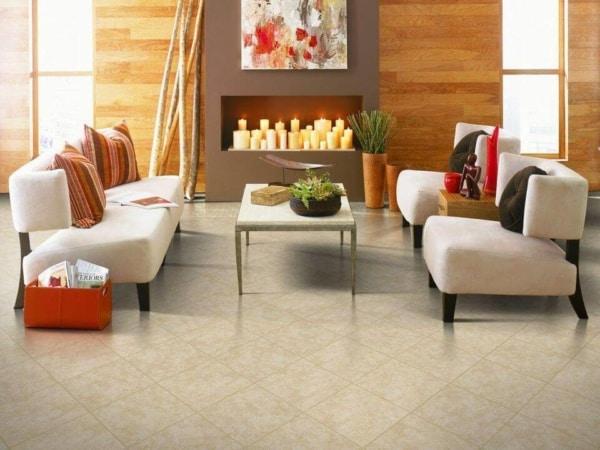 sala de estar com cerâmica no piso